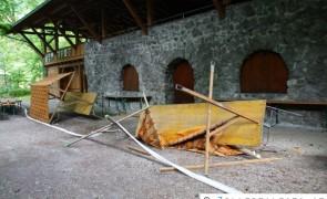 Vandalismus am Schlossberg in Rattenberg